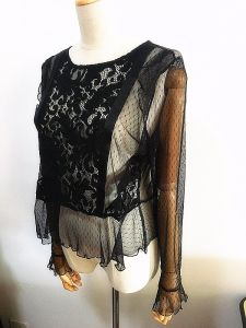 Fashion Clothes See Through Lace Women Flounced Tee pictures & photos