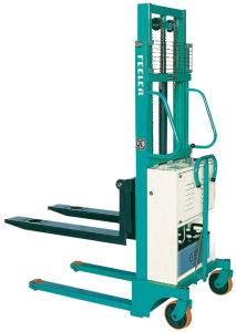 Feeler Sami Electric Stacker Forklift pictures & photos