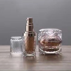 15ml 30ml 60ml 120ml Round Plastic Acrylic Luxury Cosmetic Cream Lotion Pump Bottle and Jar pictures & photos