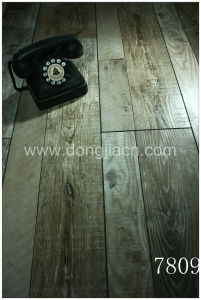 Exotic Synchronized Walnut Laminate Flooring 7809 pictures & photos