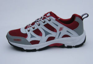 Girls Running Shoes pictures & photos