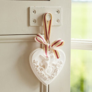 The Popular Heart Shape Scented Plaster pictures & photos