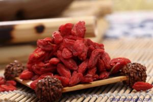Ningxia Dried Goji Berry (Wolfberry) pictures & photos