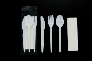 Plastic Cutlery Set 2.2g Spoon Knife Fork Napkin pictures & photos