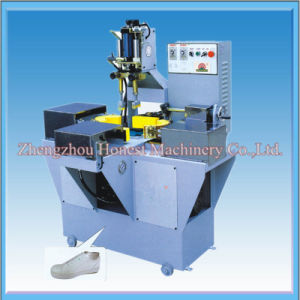 China Supplier of Clothing Machine Beading pictures & photos