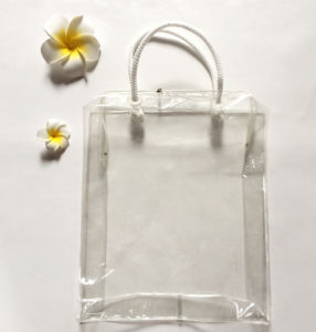 PVC Transparent Plastic Hand-Made Gift Bags Made pictures & photos
