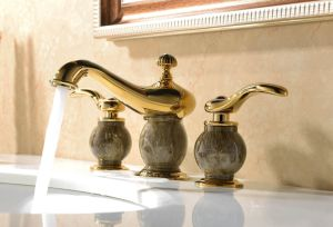 Double Handle Luxury Gold Brass Magic Lamp Three-Hole Basin Mixer (Zf-M29) pictures & photos