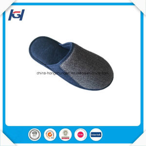 Latest Design Daily Use Men′s House Slippers pictures & photos