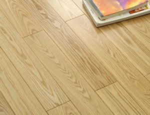 Natural Moistureproof Oak Wood Flooring with Ce Certification pictures & photos