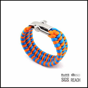 Multifunctional Outdoor Survival Emergency Parachute Cord Bracelet pictures & photos