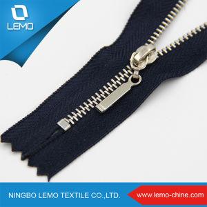 Zipper Factory Wholesale Customized #5 Brass Metal Zipper pictures & photos