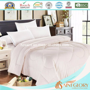 Luxury Printed Polyester Duvet /Synthetic Quilt pictures & photos