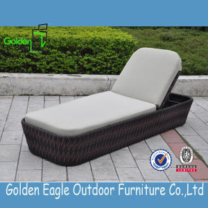 Outdoor Rattan Sun Lounger with Durable Cushion pictures & photos