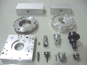 Precision Part CNC Machine/Machined/Machining Metal Spare Auto Turned Turning Parts pictures & photos