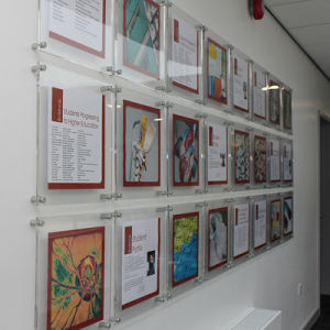 Custom Clear Wall Mounted Acrylic Poster Frame pictures & photos
