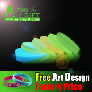 Custom Debossed Embossed Printing Glow in The Dark Silicone Wristband pictures & photos