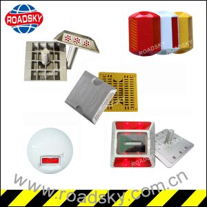 Safety Low Price Suppliers Road Marker with Two Side Reflector pictures & photos