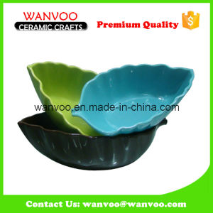 Eco-Friendly Glazed Stoneware Leaf Shape Baking Dish pictures & photos