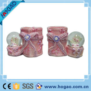 Polyresin Pen Holder Snow Globe (HG169) pictures & photos