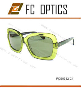 Crystal Green Color in Unique Design Sunglasses for Lady pictures & photos