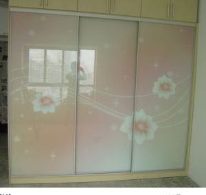Maple Solid Wood Frame with Glass Sliding Wardrobes pictures & photos