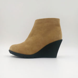 Comfortable PU Wedge Bootie pictures & photos