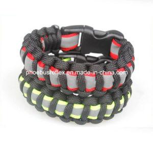 Survival Paracord Bracelet with Reflective Strip pictures & photos