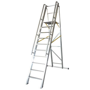 2.5m Aluminum Alloy Folding Platform and Step Ladder pictures & photos