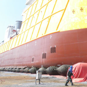 1.8 M X 20 M, 7 Layers Ship Launching Balloon for Marine Salvage, Vessel Launched, Heavy Lifting, Ships Haul out in The Batam Shipyard pictures & photos