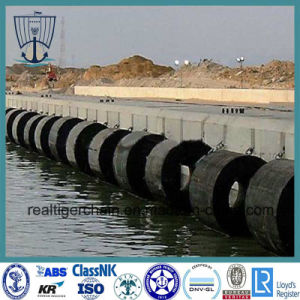 Cylindrical Fenders for Wharf pictures & photos