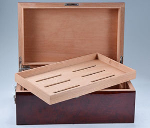 Shining Wooden Cigar Humidor with Handles pictures & photos