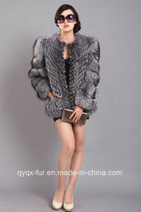 Russian Women′s Real Natural Sliver Fox Fur Coat with Segment Sleeve pictures & photos