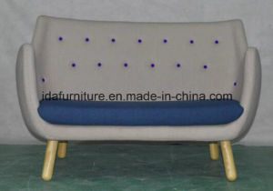Classic Design Sofa by Finn Juhl pictures & photos