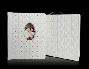Ivory Embroidery Personal Albums with Rhinestone pictures & photos