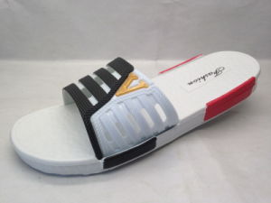 Childern′s PVC/Pcu/EVA Fashion Slippers (21go1703) pictures & photos