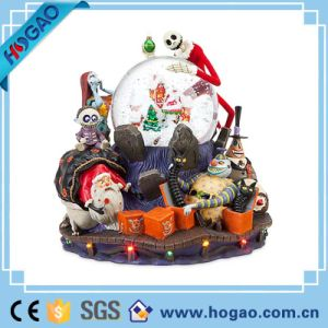 Hottest Creative Halloween Holiday Indoor Decoration Resin Skull with Globe pictures & photos