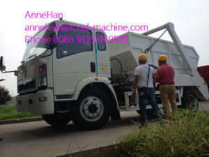 Euroiii 4X2 HOWO Brand Light Hork Arm Garbage Truck 5m3 190HP pictures & photos