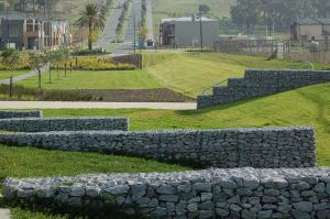 Gabion Wire Mesh Rock Basket Wire Mesh Retaining Walls Stone Baskets pictures & photos