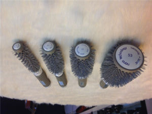 Manufacturer for Detangle Nylon Hair Brush Different Size (F009) pictures & photos