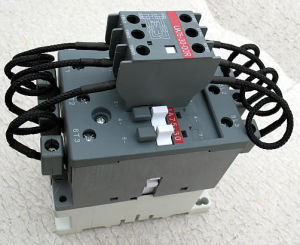 Ua Switch-Over Capacitor Contactor pictures & photos
