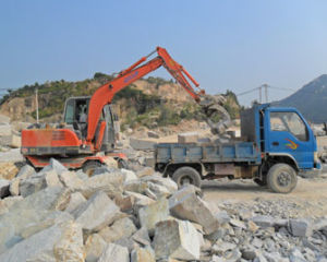 6ton Mini Bucket Excavator Wheel Digger for Sale pictures & photos