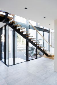 Straight Staircase/ Wood Design Indoor Staircase / Modern Staircase pictures & photos