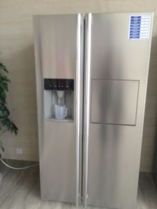 Bcd-550wi Side by Side Refrigerator with Water Dispenser&Ice Maker pictures & photos