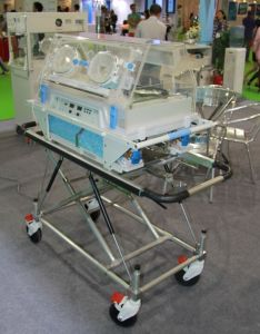 Baby Transport Incubator with Oxygen Cylinder pictures & photos