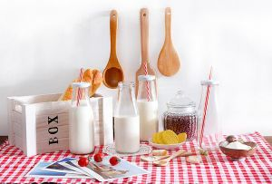 400ml Round Shape Glass Milk Bottle with Metal Lid & Straw, Juice Bottle, Water Bottle pictures & photos