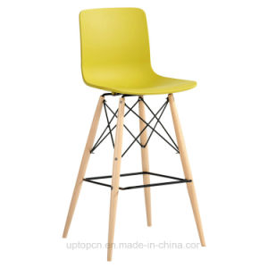 Colorful Modern Plastic Bar Chair with Wooden Leg (SP-UBC246) pictures & photos