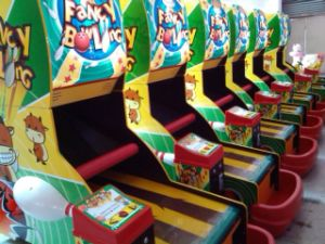 Arcade Game Children′s Bowling Arcade Game Machines pictures & photos