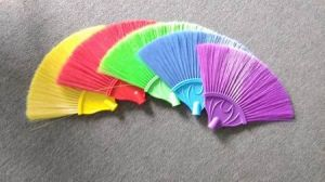Houshold Plastic Fan Shaped Ceiling Broom / Ceiling Brush pictures & photos