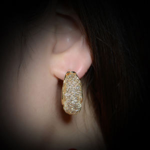 Wholsale Zinc Alloy Jewellery Moon Shaped Gold Stud Earring pictures & photos