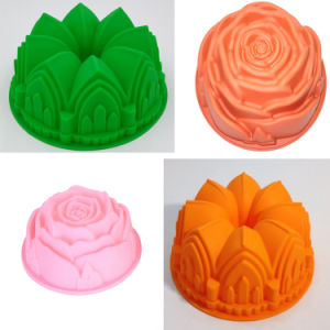 Whole Sales Kitchen Tool Flower Shape Silicone Cake Pan for Baking Cake Bread pictures & photos